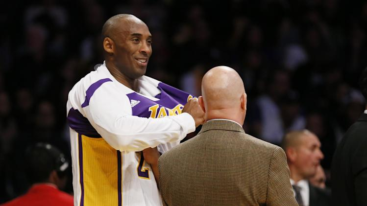 Kobe, Lakers ready for bumps during star's return