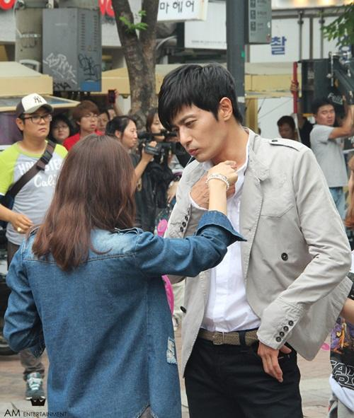 Jang Dong-gun in the middle of shooting 'Grace of Gentleman'