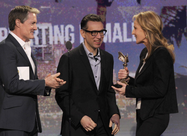 "Actors Kyle MacLachlan, left, and Fred Armisen, center, present Helen Hunt with the award for best supporting female for ""The Sessions"" at the Independent Spirit Awards on Saturday, Feb. 23, 2013, in Santa Monica, Calif. (Photo by Chris Pizzello/Invision/AP)"