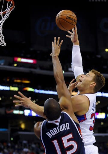 Clippers storm past Hawks in 4th quarter