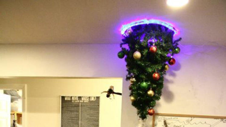 Portal Christmas Tree (Via: SuperPunch.net)