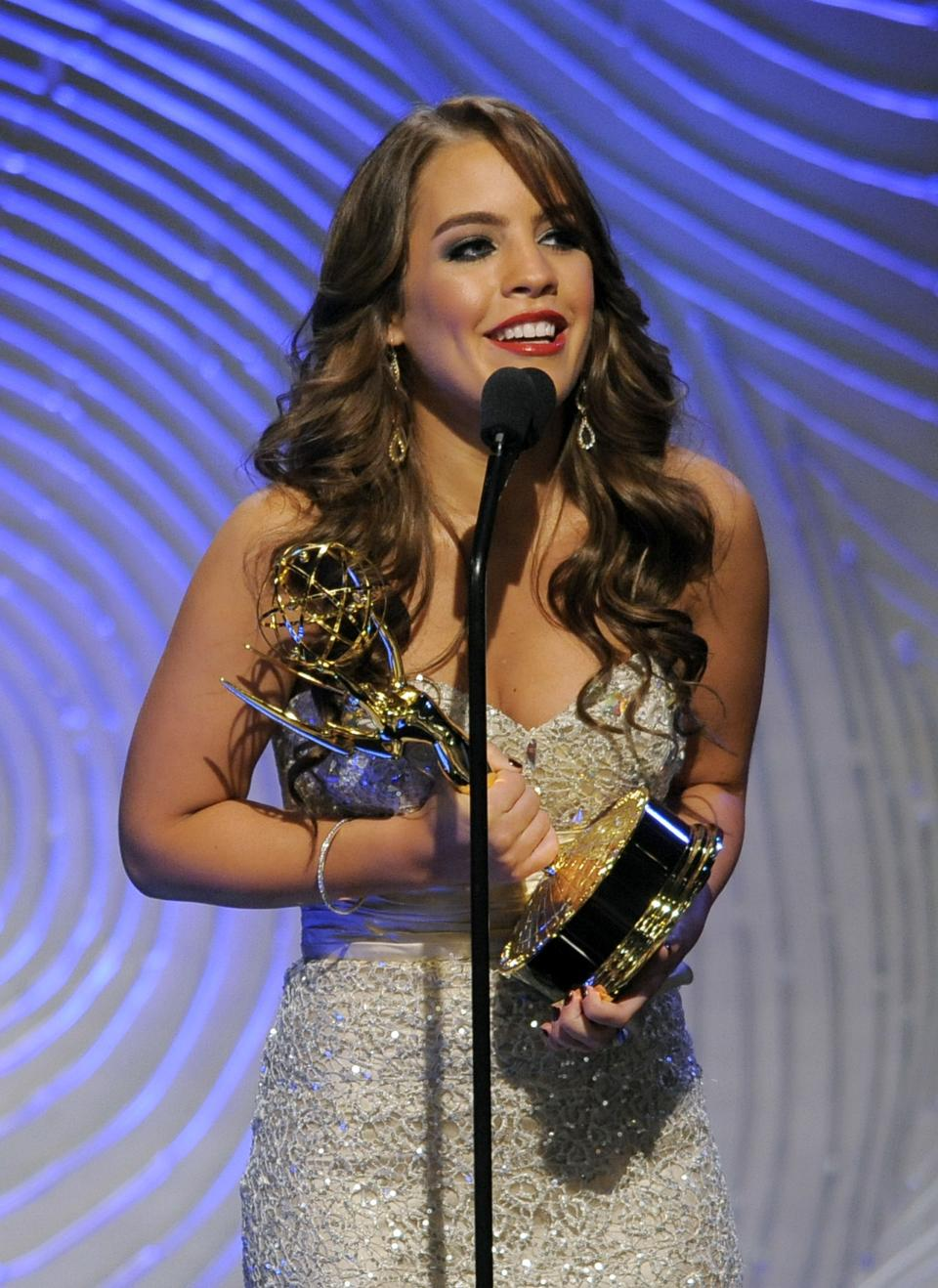 "Kristen Alderson accepts the award for outstanding younger actress in a drama series for ""General Hospital"" at the 40th Annual Daytime Emmy Awards on Sunday, June 16, 2013, in Beverly Hills, Calif. (Photo by Chris Pizzello/Invision/AP)"