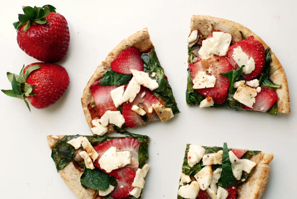Strawberry, Feta, and Spinach Flatbread Pizzas