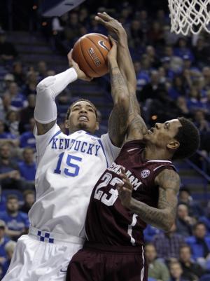 No. 14 Kentucky routs Texas A&M 68-51