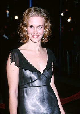 Premiere: Sarah Paulson at the Westwood premiere of Paramount's What Women Want - 12/14/2000
