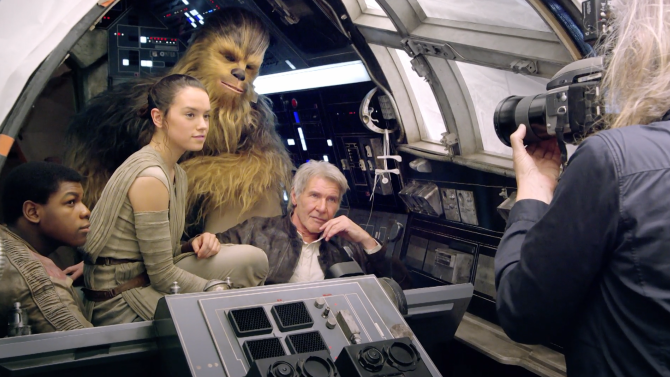 'The Force Awakens' releases more cast photos and info (Tomorrow Daily 172)