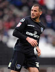 Shefki Kuqi has joined Hibernian on a one-year deal