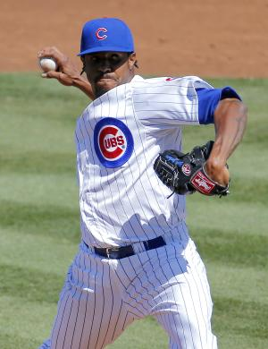 Phillips, Bernadina power Reds past Cubs 8-3
