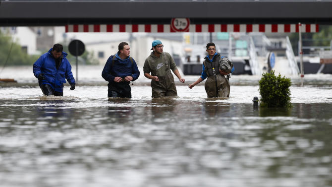 Death toll hits 10 in European flooding
