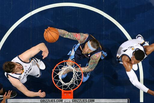 Cunningham's tip saves Grizzlies vs. Nuggets