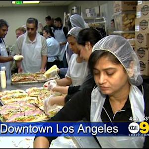 Subway Hosts Holiday Feast For Union Rescue Mission