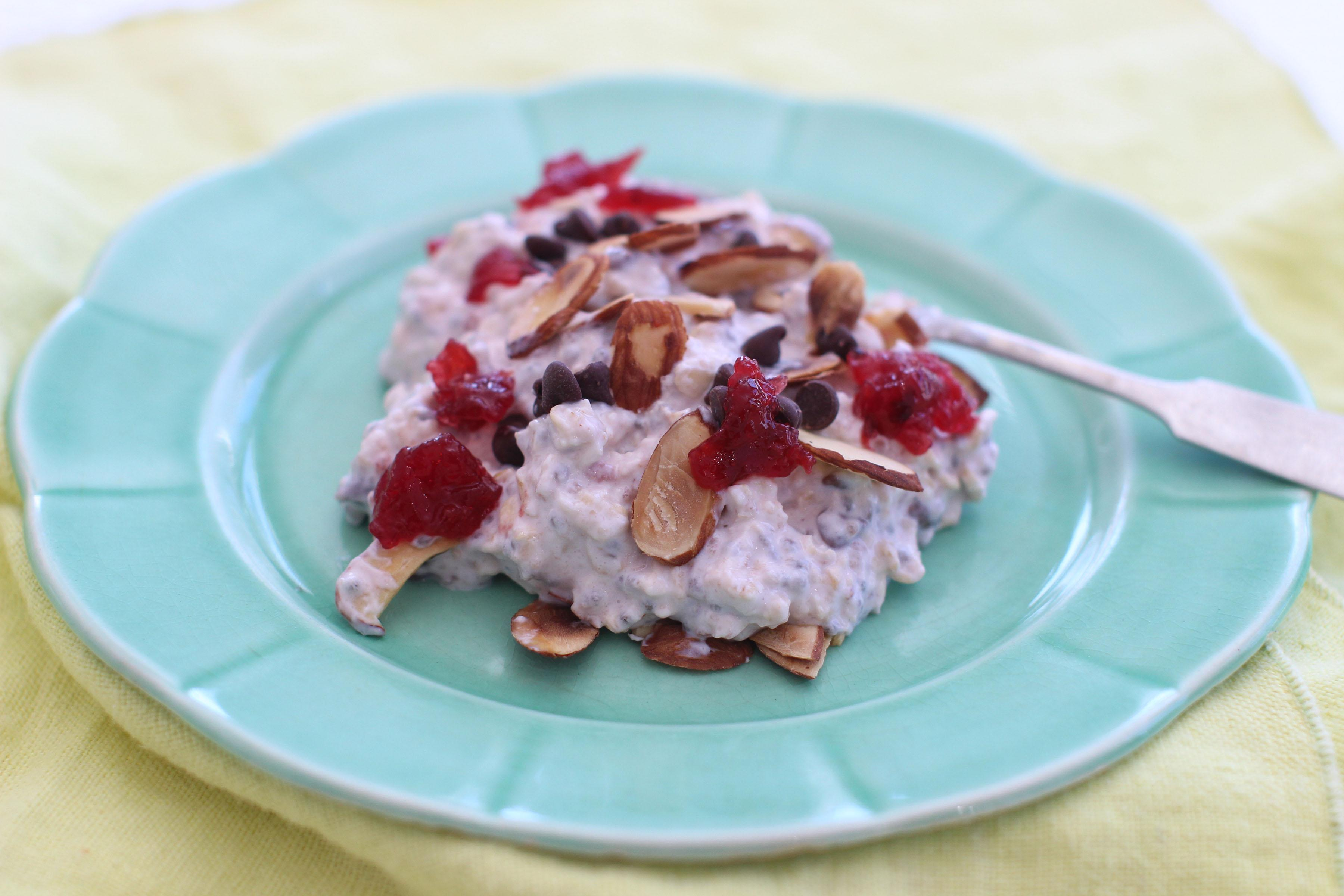 An overnight oat pudding that makes a healthy breakfast easy
