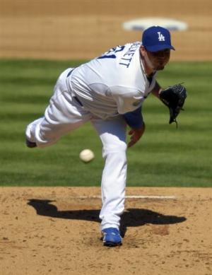 Dodgers win 5th in row, stay in NL wild-card race