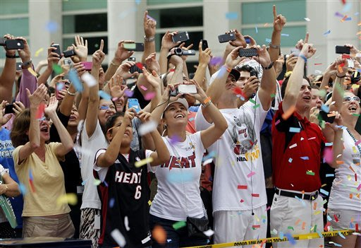 Heat celebrate in the streets of Miami