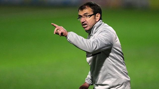 Pat Fenlon has urged Hibs to make amends for defeat by Dons in Edinburgh