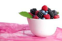 Berries are a great source of skin-friendly nutrients