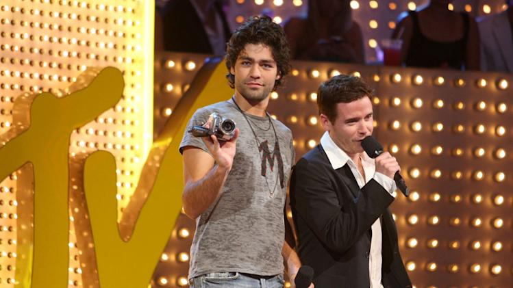 Actor Adrian Grenier and Actor Kevin Connolly performs during the 2007 MTV Video Music Awards at The Palms Hotel and Casino.
