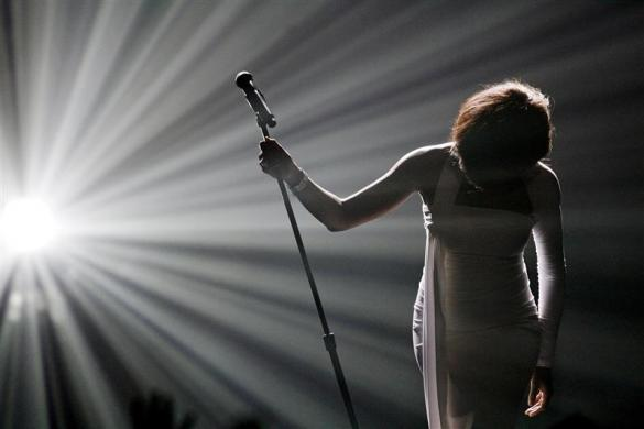 "Whitney Houston bows after performing ""I Didn't Know My Own Strength"" at the 2009 American Music Awards in Los Angeles"