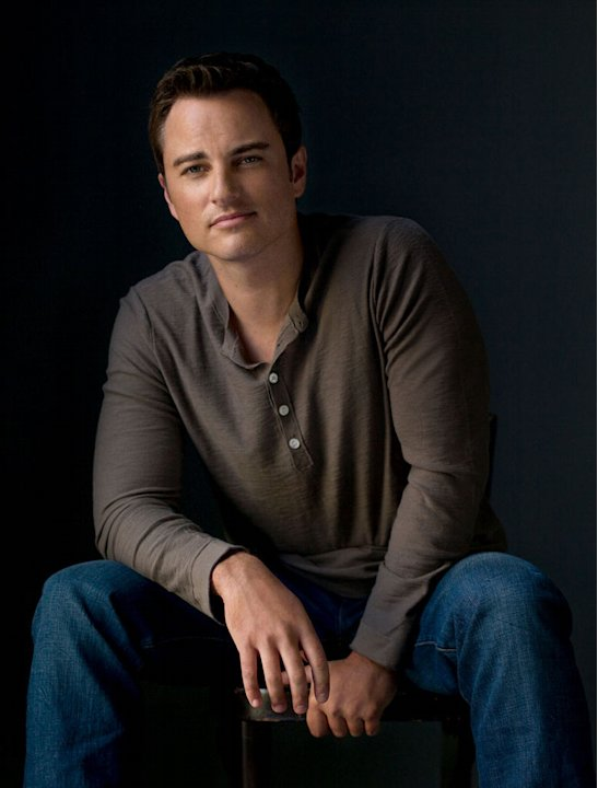 "Kerr Smith as Ryan in ""Life Unexpected."""