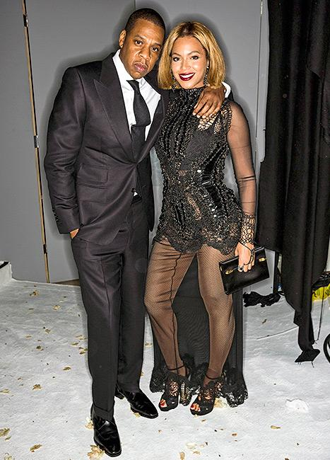 Beyonce's Dress Rips Up the Backside: See How She Recovered from the Major Wardrobe Malfunction!