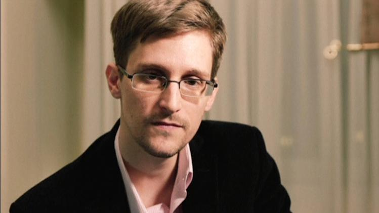 NEWSPAPERS WANT SNOWDEN CLEMENCY