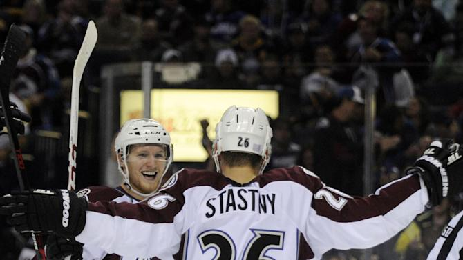 Avalanche bounce back, ease past Sabres 4-2