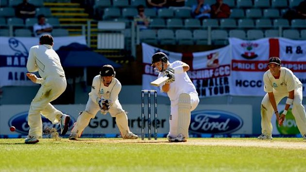 Joe Root hits out as England looked to secure a draw