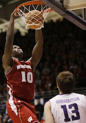 No. 4 Wisconsin cruises past Northwestern 76-49