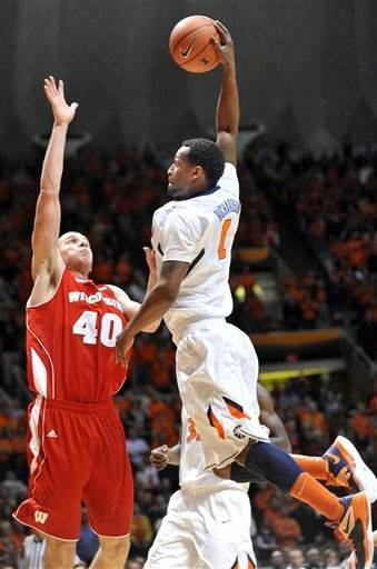 Wisconsin grinds out win at Illinois, 74-68