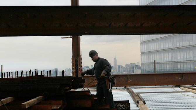 New 1 World Trade Center Rises Up From Ground Zero