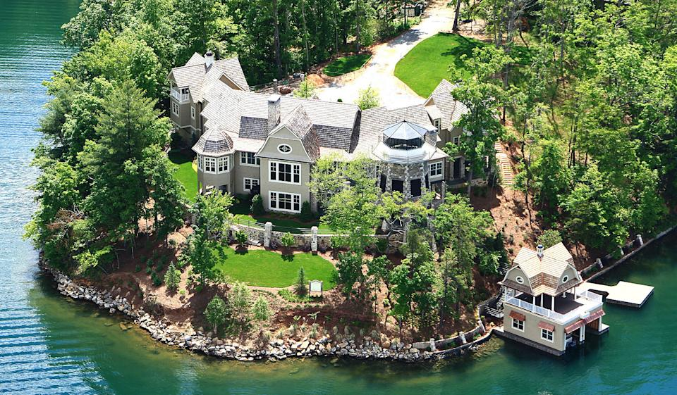 Nick Saban's Ga. mountain mansion to be auctioned