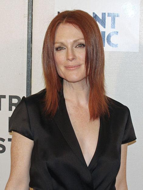 Julianne Moore Victim of Jewel Heist: Other Celebs to Have Jewelry Stolen