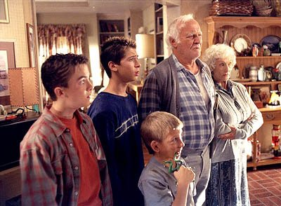 "Frankie Muniz, Justin Berfield, Erik Per Sullivan, Robert Loggia and Cloris Leachman in the ""The Grandparents"" episode of Fox's Malcolm In The Middle"