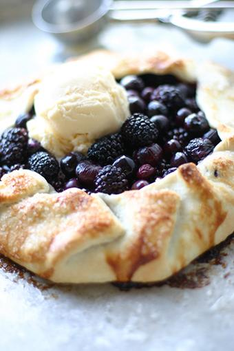 Easiest Blackberry Pie Ever