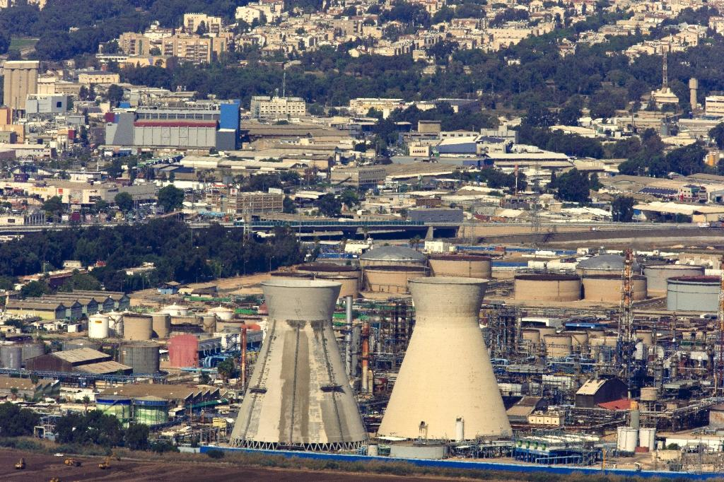 Israeli port city closes 5 factories over cancer fears