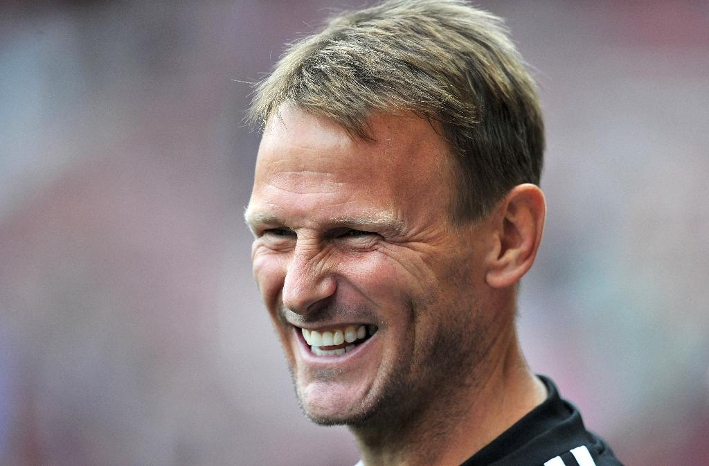 Sheringham takes first managerial job at minnows Stevenage
