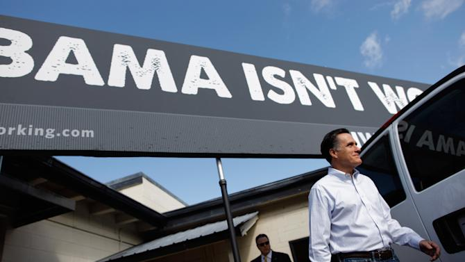 Republican Presidential Candidate Mitt Romney Campaigns In Florida Ahead Of State's Primary