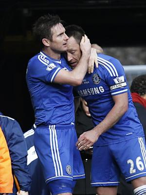 Chelsea stays top; Arsenal, Man City also win
