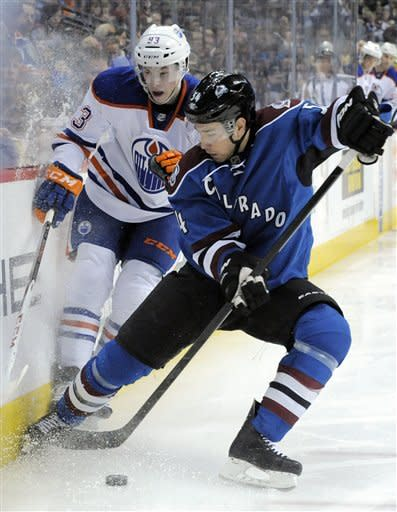 Varlamov leads Avs to 3-2 shootout win over Oilers