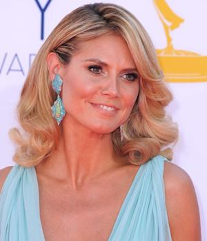 Heidi Klum dazzles at the 2012 Emmy Awards -- Getty Images