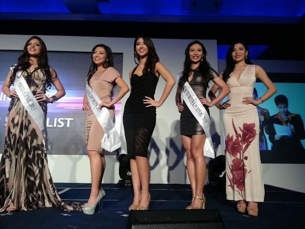 Top 5 (From left): Elizabeth Houghton, Krizzia Sayson, Maria Anna Zenieris, Rachel Leng and Terri Simbian. (Yahoo! photo)