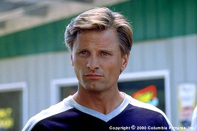 Eddie ( Viggo Mortensen ) lands himself in rehab after his career as a baseball superstar is sidetracked by alcohol and drug abuse in the Columbia Pictures presentation, 28 Days