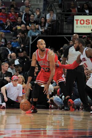 Bulls pull away in 4th for win over Pistons