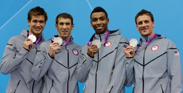 Nathan Adrian, Ryan Lochte, Cullen Jones y Michael Phelps (Estados Unidos)