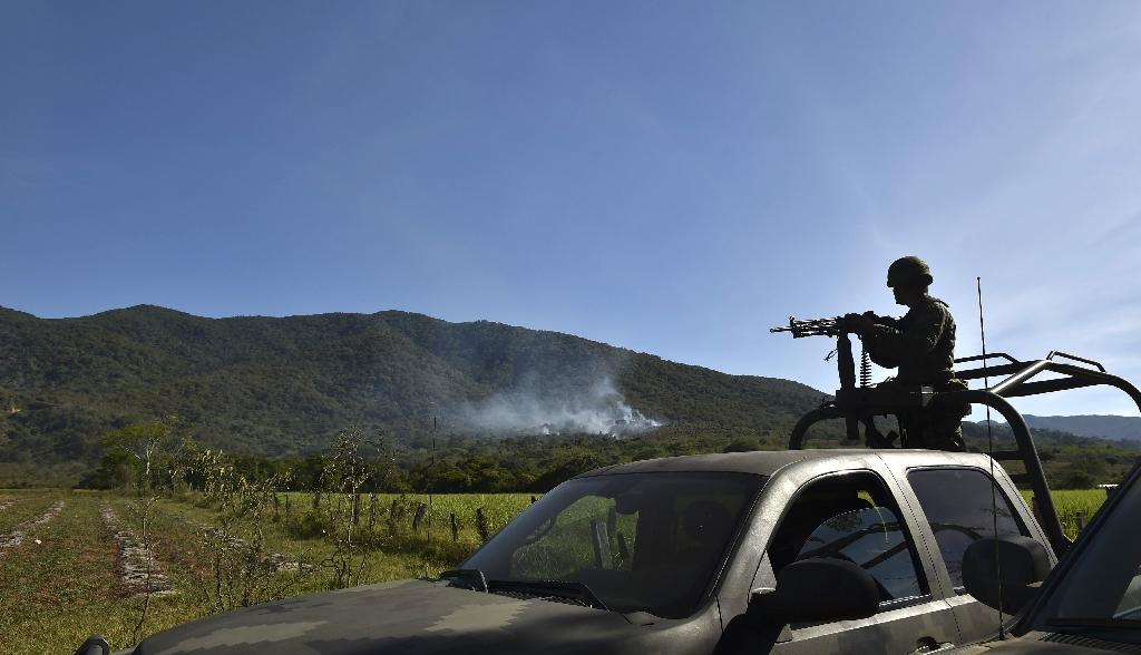 Three Mexico troops found dead after helicopter downed