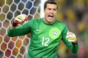Fernandes: Julio Cesar poised for QPR exit