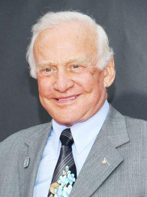Buzz Aldrin, Gael Garcia Bernal to Appear on David Frost's Al Jazeera Series