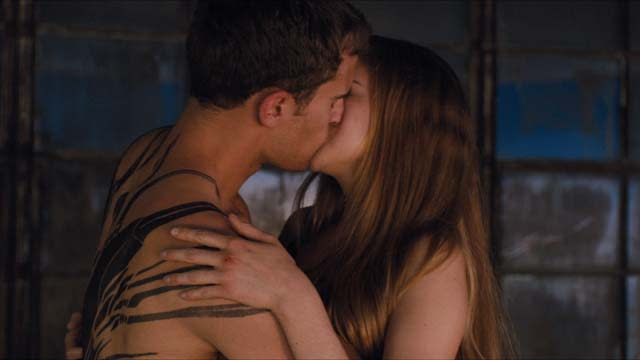 'Divergent' Exclusive First Clip: Tattoos