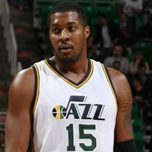 Block of the Night - Derrick Favors