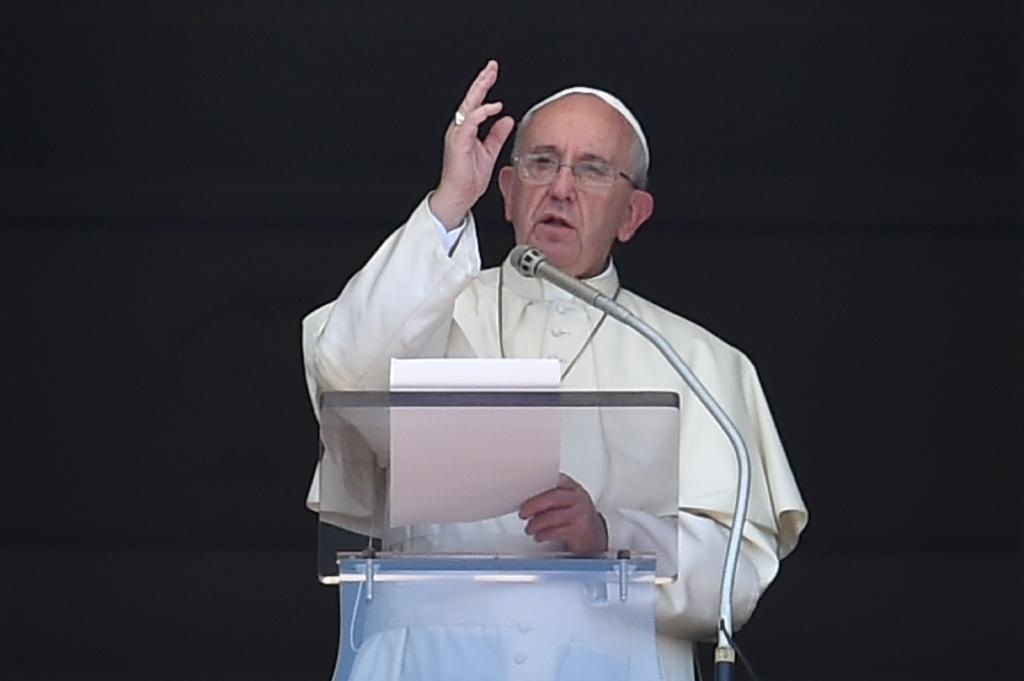 Pope tells priests to pardon women who have abortions